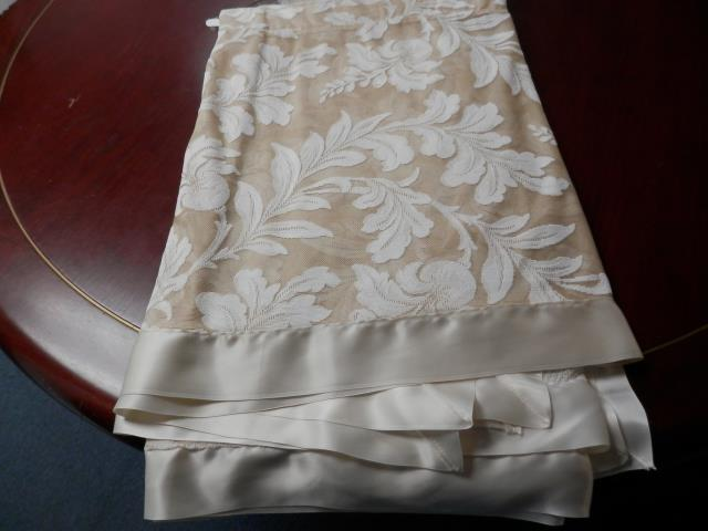 Where to find LINEN, 90X90 LACE CAFE AULAIT in Terrell