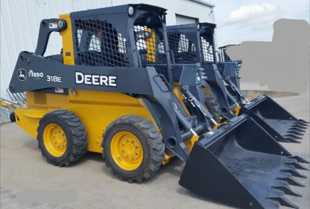 Where to find LOADER SKID JOHN DEERE 318E in Terrell